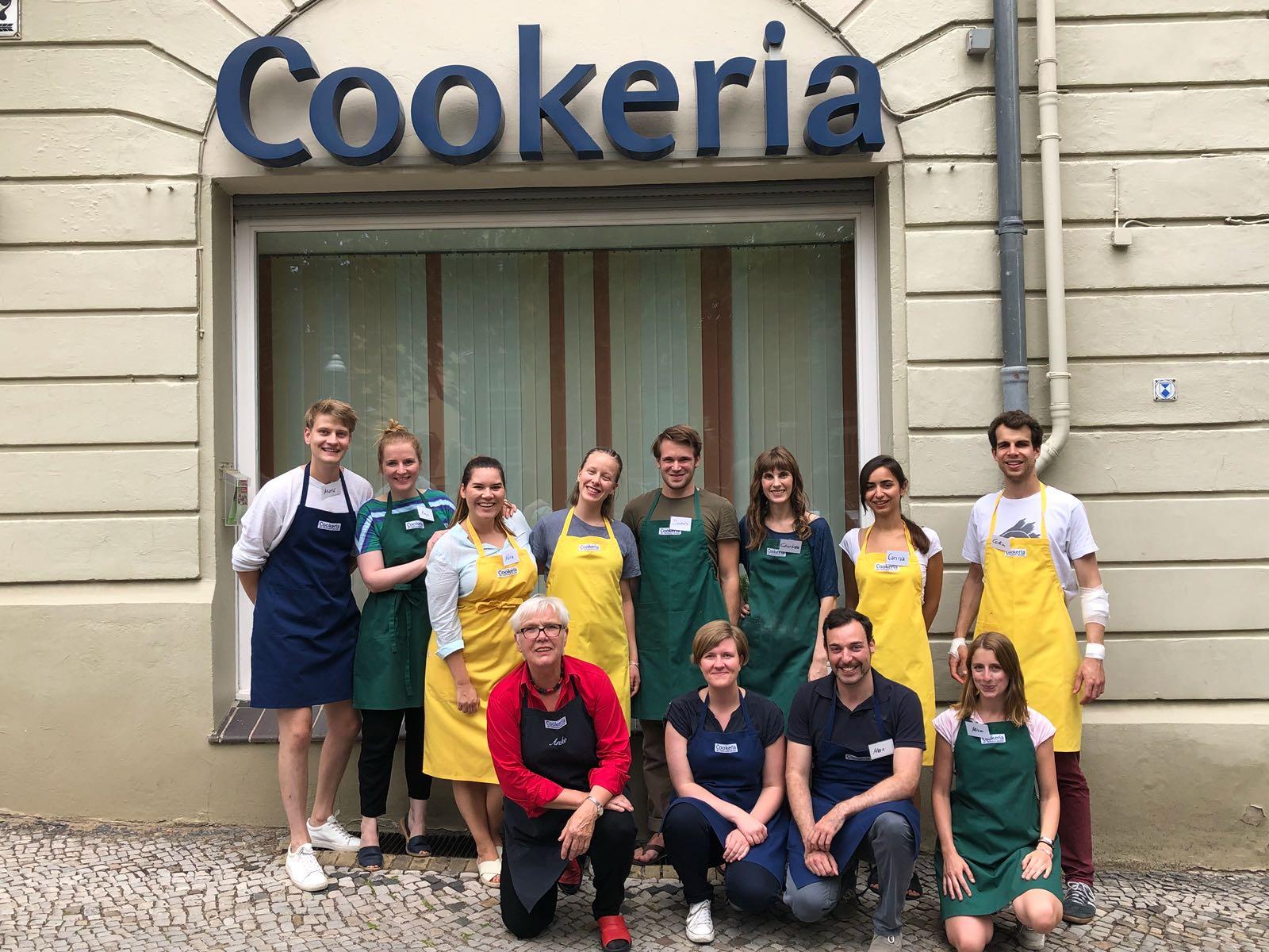 Kochen im Team im Cookeria Kochstudio